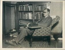 1931 Blind Yale Univ Law Student Henry Istas Studies in Braille Press Photo