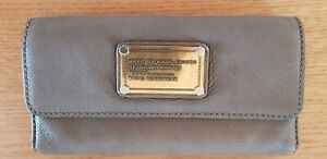 Marc By Marc Jacobs Trifold Leather Wallet Taupe
