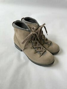 Women's Clark Boots Size 9