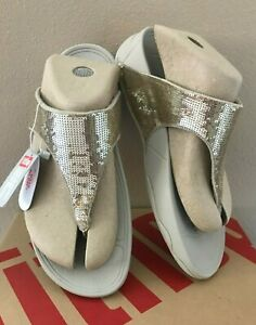 NIB NEW FitFlop Womens Electra Classic Pale Gold Flip Flops Sandals Size 10