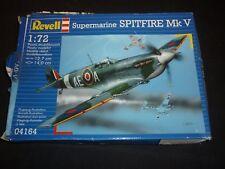 REVELL ONU construit Kit Plastique d'un Supermarine Spitfire Mk V, pièces en Scellé Sacs