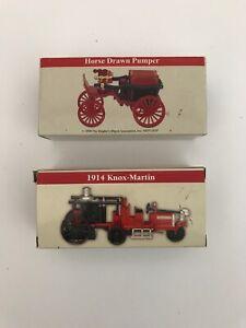 2 READERS DIGEST DIE CAST CARS 1914 KNOX-MARTIN & 2000 HORSE DRAWN PUMPER