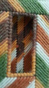 "VTG Hand-Threaded-Hooked Small Tissue Holder 5"" x 3.25"" x 1"""
