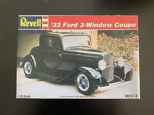 REVELL 1/25 '32 Ford 3 Window Coupe Model Kit. Unbuilt.