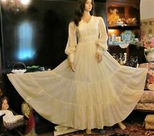 New listing Pristine Semi Sheer 8 Yard Sweep Cream Embroideried 2 Tier Gunne Sax Dress Sz 9