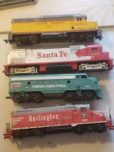 5 Mantua Train  Diesel train locomotive Railroads Trains HO Scale Burlington!!!!