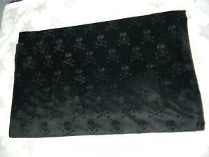 TARGET black halloween skull & crossbones throw blanket velvet feel