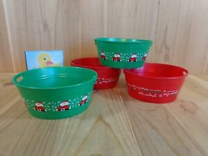 """Mini Party Bowls 6"""" Set of 4 Green Santa Claus Red Merry Christmas Plastic"""