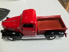 Motormax 1/24 Scale 1941 Plymouth Pick up  model car Modified  modified