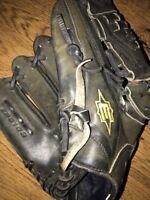"Easton Professional Series EPG10B 12"" MITT Glove Black LHT"