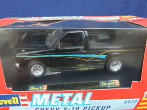 Revell Chevrolet S10 Pickup - 1/24 Scale Black BOXED