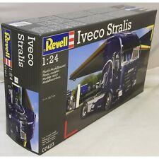IVECO STRALIS REVELL 1/24 PLASTIC KIT