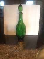 Vintage Decanter With Stoper Green Glass Art deco . Never Been Used. Art Deco.
