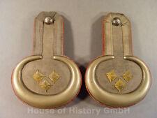 Paar Epauletten eines Offiziers, je mit drei goldenen Sternen, Metallgespinnst