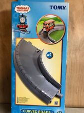 Tomy Thomas Tomica Plarail CURVED ROAD  4 pieces.  NEW