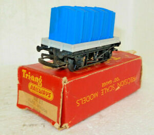 Triang OO Scale British Rail Flat Wagon with Container Load