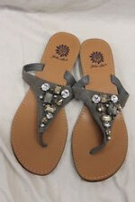 "Yellow Box "" Katherin "" Womens Jewel Flip Flops Thongs Shoes size 8.5 EUC"