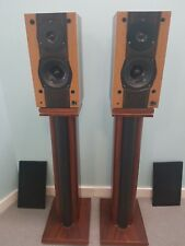 KEF REFERENCE 101 Speakers in RARE  VENEER, LS3/5a BEATER. Stands NOT included
