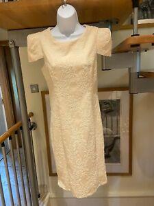 ladies dress size 12 (more like a 10) serina sophia beautiful cream dress NWOT