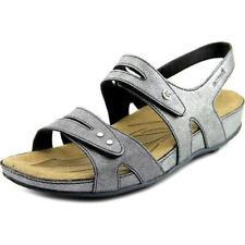 Sandali e scarpe grigio per il mare da donna dal Vietnam