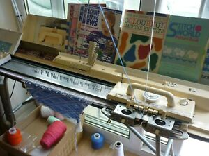 BROTHER 950 ELECTRONIC KNITTING MACHINE