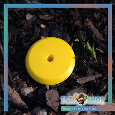 Messpunkt Gelb mit Pillendose und Bodenhülse Geocaching Versteck