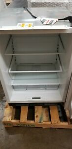 "Sub-Zero UC24RRH 24"" Built-in Undercounter Refrigerator"