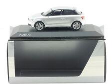 Kyosho 501.10.010.13 Werbemodell Audi A1 1/43 ein Fehlteil OVP 1411-23-65