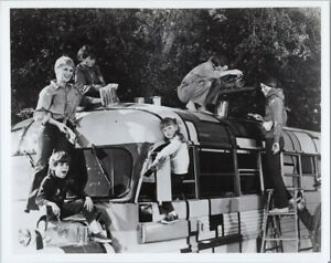 The Partridge Family David Cassidy & Partridges at work painting school bus 8x10