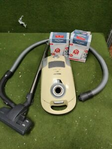 MIELE S4211 CYLINDER  VACUUM CLEANER with spare bags and all attachments.  VGC
