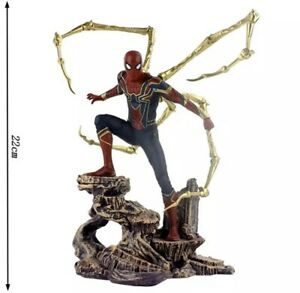 Statua Spider Man Iron Spider Avengers Marvel