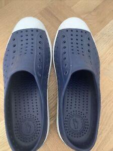 Native Shoes Jefferson Navy/Shell White, US Junior size J5