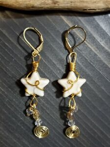 UNIQUE WHITE HOWLITE STAR/GOLD COIL CRYSTAL DANGLES/GOLD WIRE LOOP WRAP EARRINGS