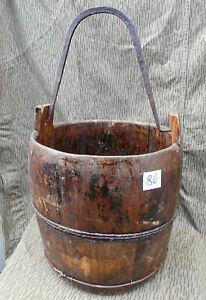 Grosser alter Holzeimer Wassereimer Brunneneimer Eimer mit Eisenhenkel (86)