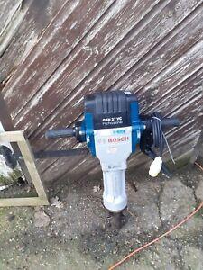 Bosch GSH27VC 110v 29kg Demolition Hammer Breaker - 061130A060
