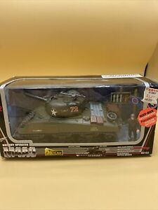 Die Cast M4A3 SHERMAN TANK w/Figure Battery Operated 1998 New Ray New n Box 1:32
