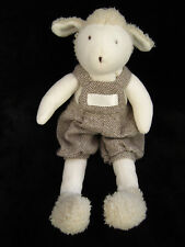 Doudou Mouton Agneau écru en salopette laine marron Moulin Roty Moi bébé Clayeux