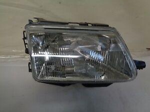 Optique phare avant de Citroën Saxo phase 1, coté passager (réf 8562)