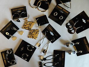 40 x Modeschmuck Konvolut Ohrringe Ketten Armreifen Restposten
