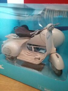 Vespa VL1T With Sidecar 1/6 Scale Large Diecast Model Brand New