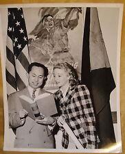 Orig 1950s Columbia Pictures Ingeniue Actress Korean War Fighting Alliance Photo