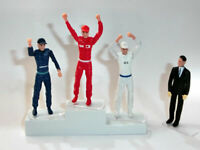 Podium de vencedores con figuras escala 1/32 Carrera 21121