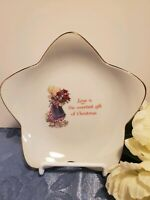 A Christmas Keepsake Star Shaped Designers Collection Genuine Porcelain Plate