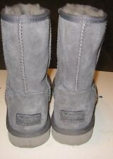 KOOLABURRA BY UGG CLASSIC SHORT WOMANS BOOT SIZE 6 GRAY