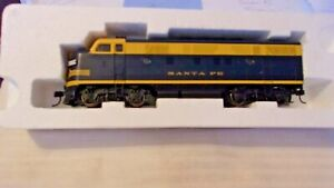 HO Scale Life-Like F7 Diesel Locomotive, Santa Fe, Blue & Yellow #200 BNOS