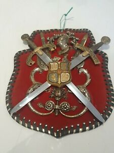 VINTAGE DECORATIVE COAT OF ARMS WALL DISPLAY SOUVENIR SPANISH KNIGHTS