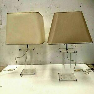Paire de lampes en plexiglas XX siècle