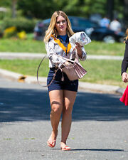 Hilary Duff With The Hand Inside The Bag 8x10 Photo Print
