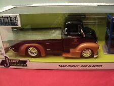 Jada 1952 Chevrolet COE flatbed w/extra wheels 1/24 scale  NIB  2 tone