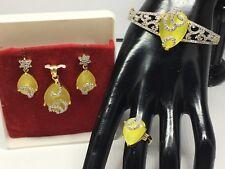 BRAND NEW YELLOW ZIRCONIA AMERICAN DIAMOND CLASP BRACELET & PENDANT SET